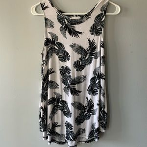Old Navy Luxe Palm Print Swing Tank Crew Neck